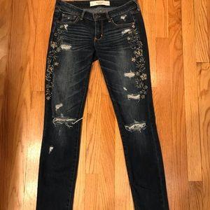 EUC.  Abercrombie embellished Jeans.  Sz. 25